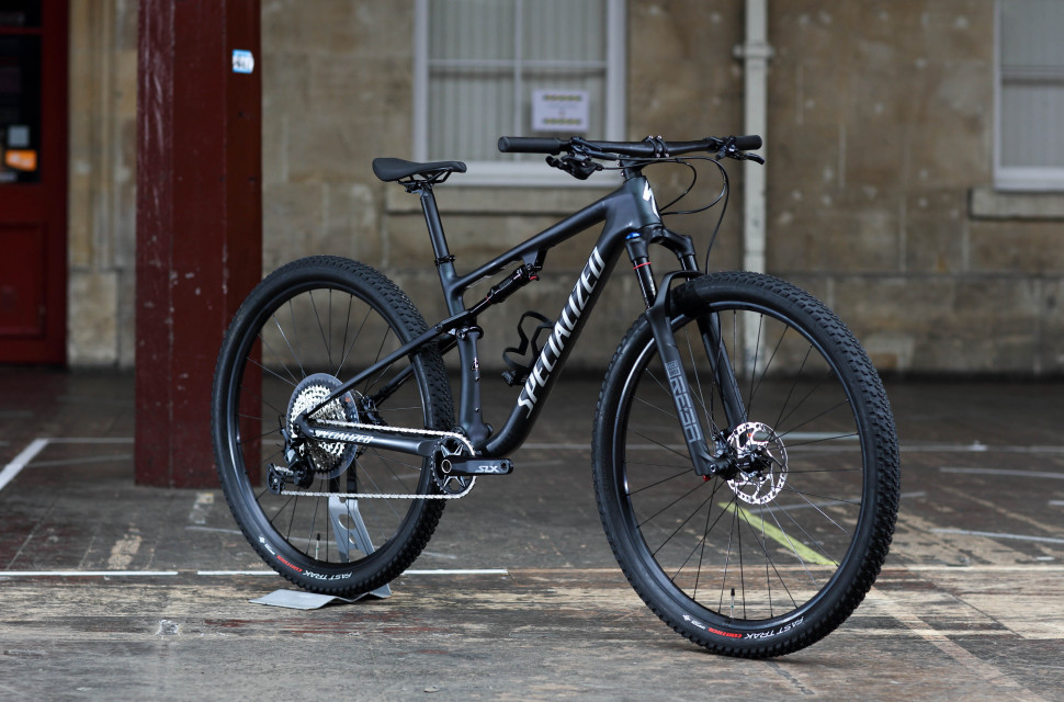 2021 specialized epic comp first look hero 3q.jpg