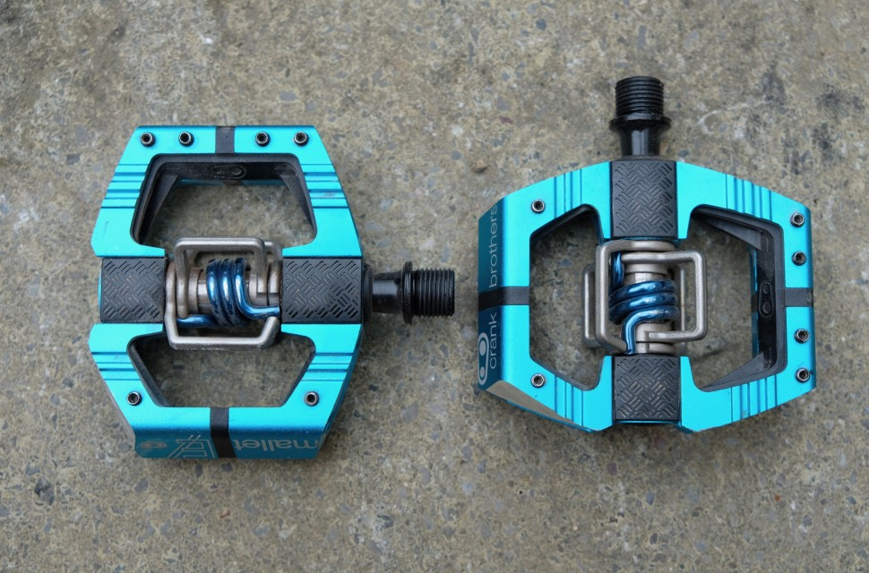Crank Brothers Mallet E pedals - 2.jpg