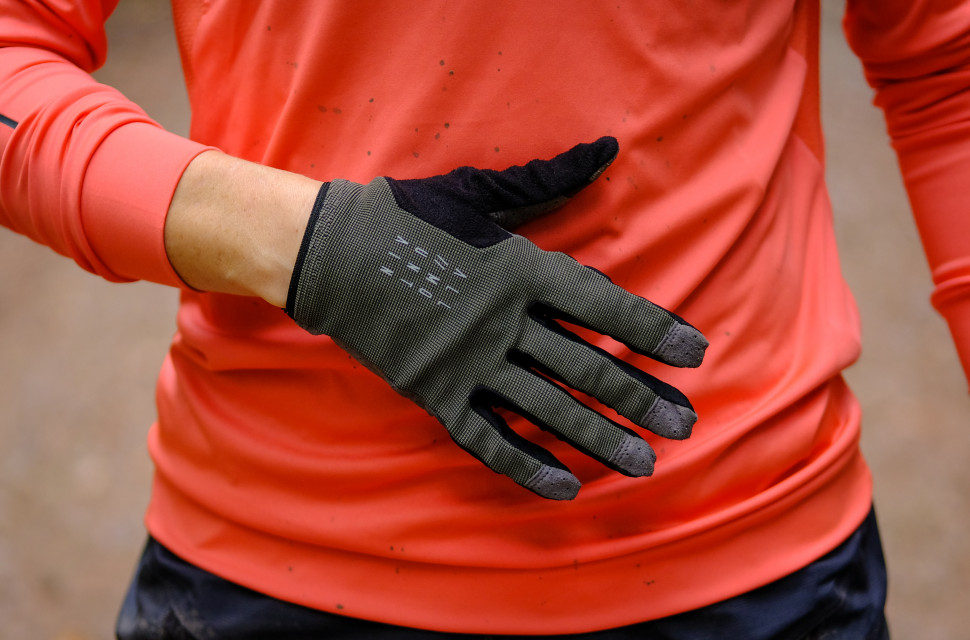 Cube Performance gloves-2.jpg