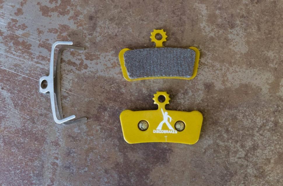 Disco-Brakes-Sintered-disc-pads-100.jpg