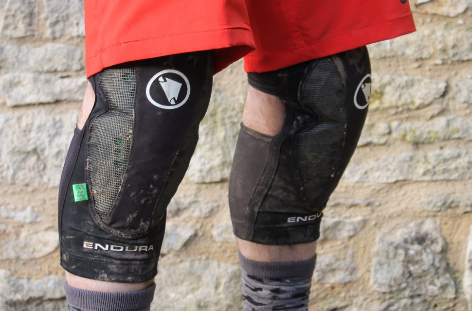 Endura MTR Knee Guard-1.jpg