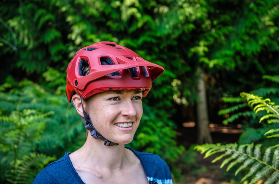 Endura Singletrack helmet-1.jpg