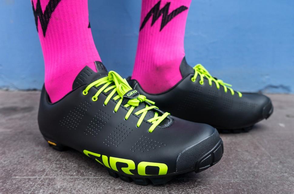 Giro-Empire-VR90-1.jpg