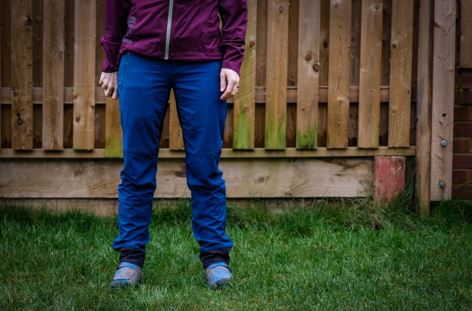 ION Softshell Shelter women's pants 2019-4.jpg