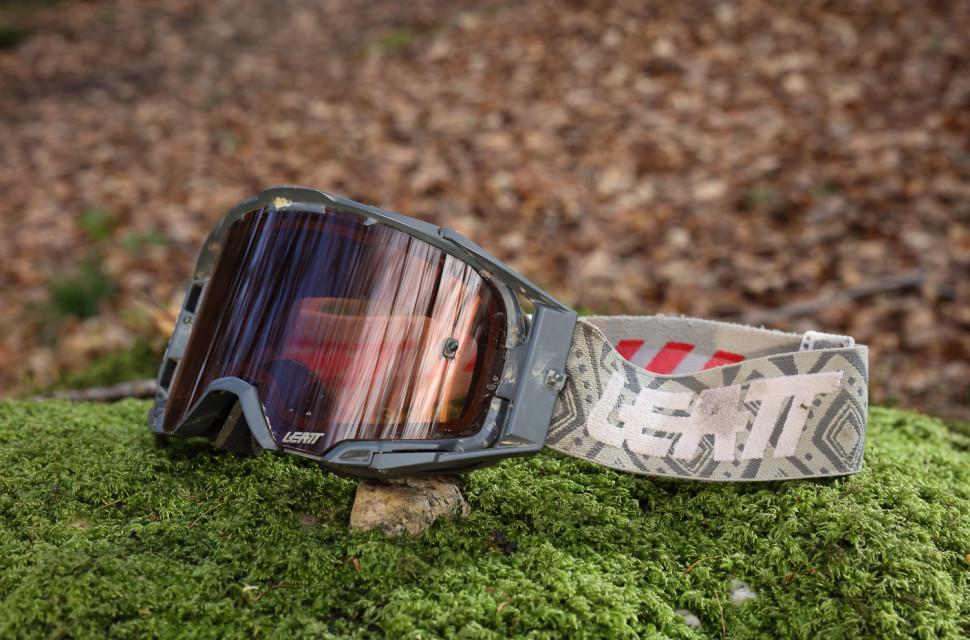 Leatt-Velocity 6.5-goggles-review-100.jpg