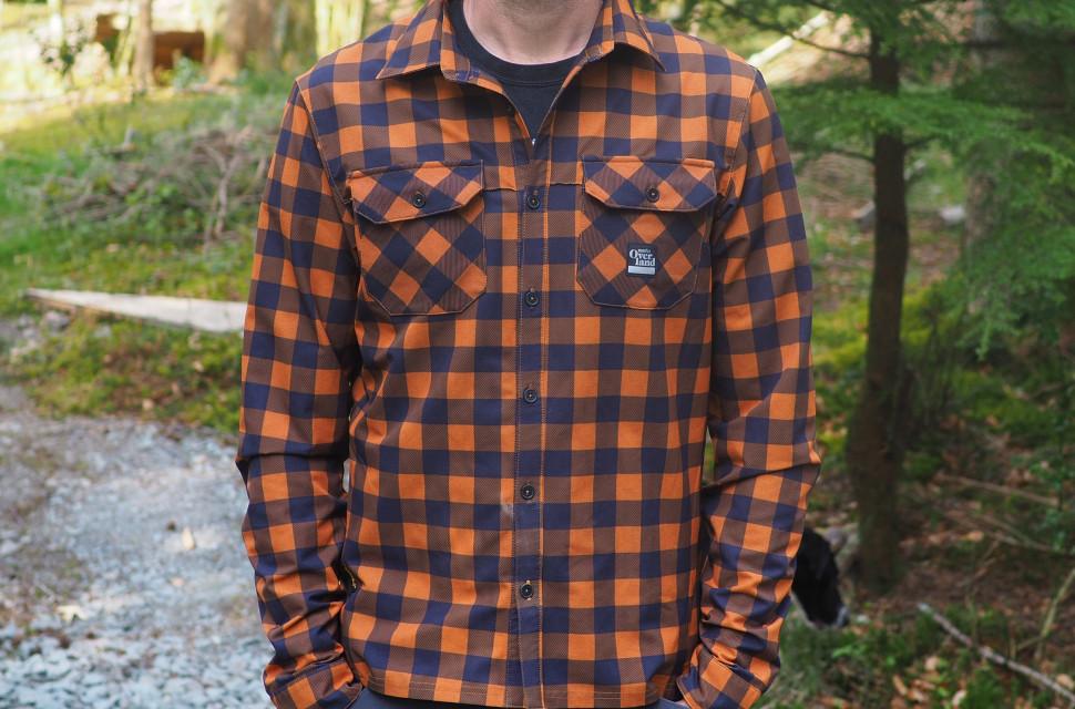 Morvelo-Overland-Back-Country-Long-Sleeve-Shirt-review-1.jpg