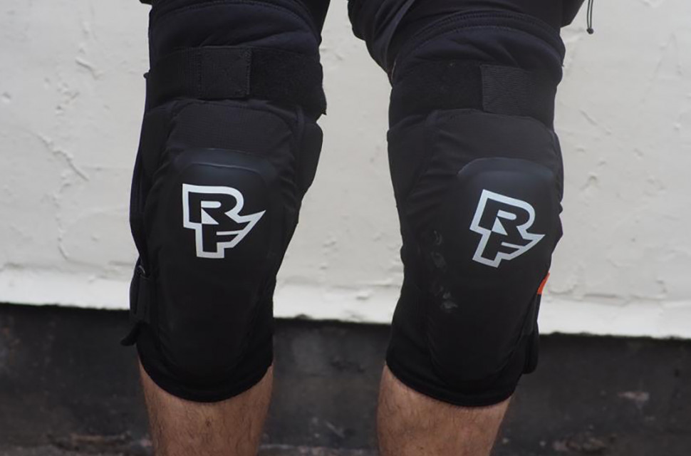 Race Face Roam Knee Pad Review 2.jpeg