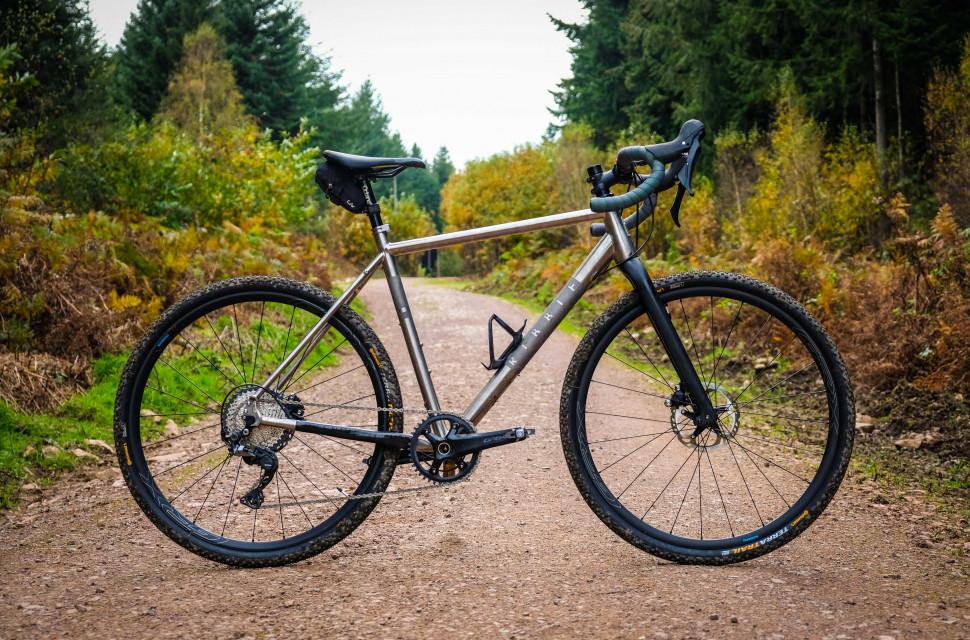 Ribble CGR Ti Whole Bike-2.jpg