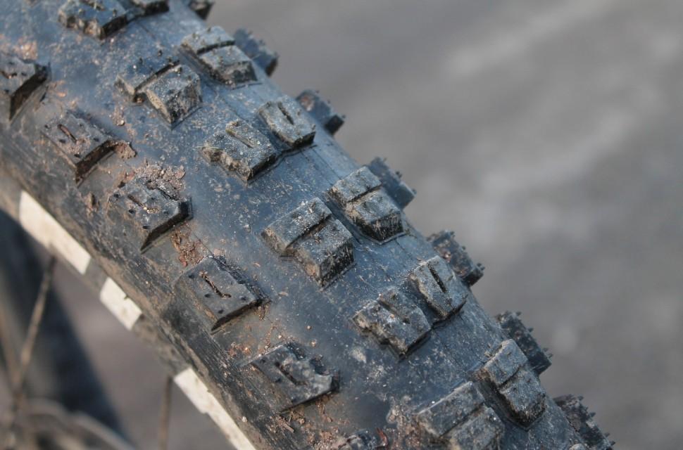 Specialized Butcher 2.8 Tyre-4.jpg