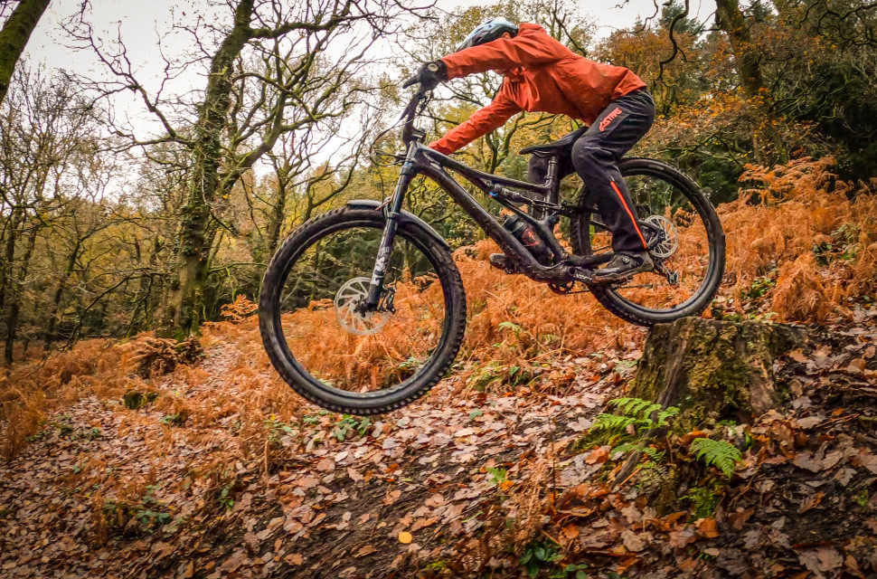 Specialized Stumpjumper Riding-4.jpg