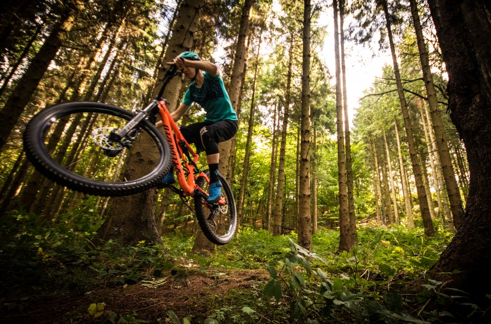 Specialized Stumpjumper Women's Comp -12 riding .jpg