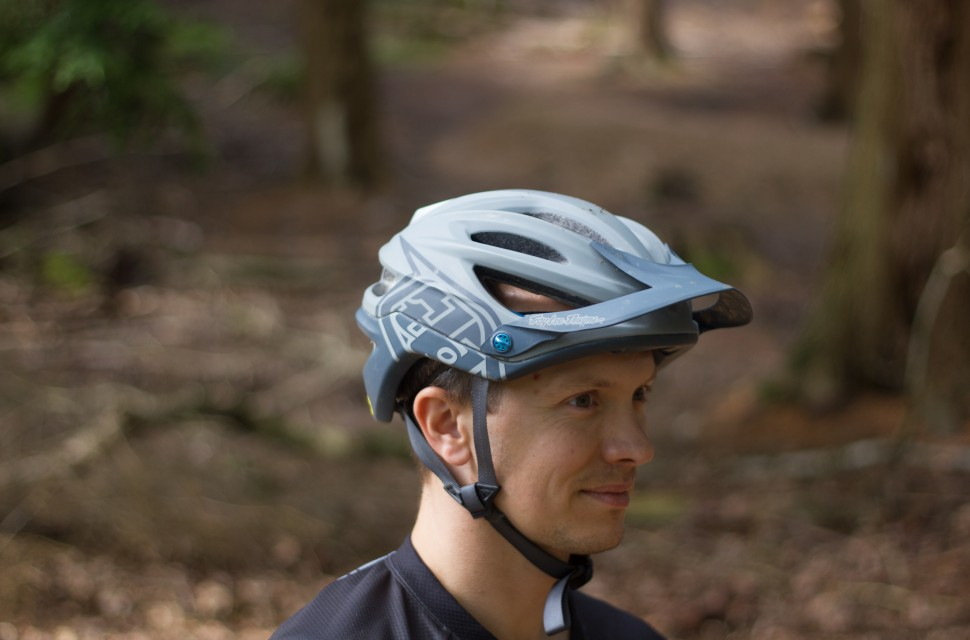 Troy-Lee-Designs-A2-MIPS-helmet-100.jpg