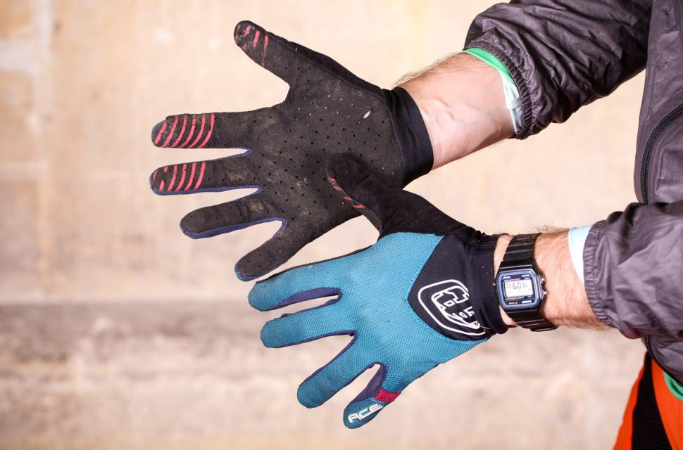 Troy-Lee-Designs-Ace-gloves-review-100.jpg