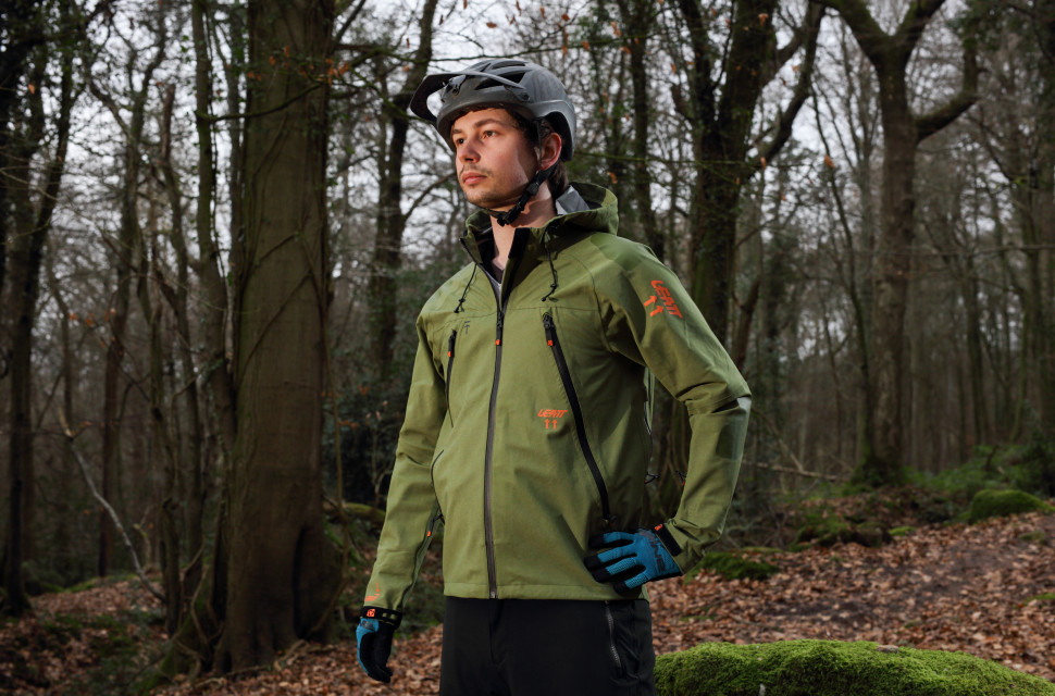 leatt dbx 5.0 all mountain jacket hero