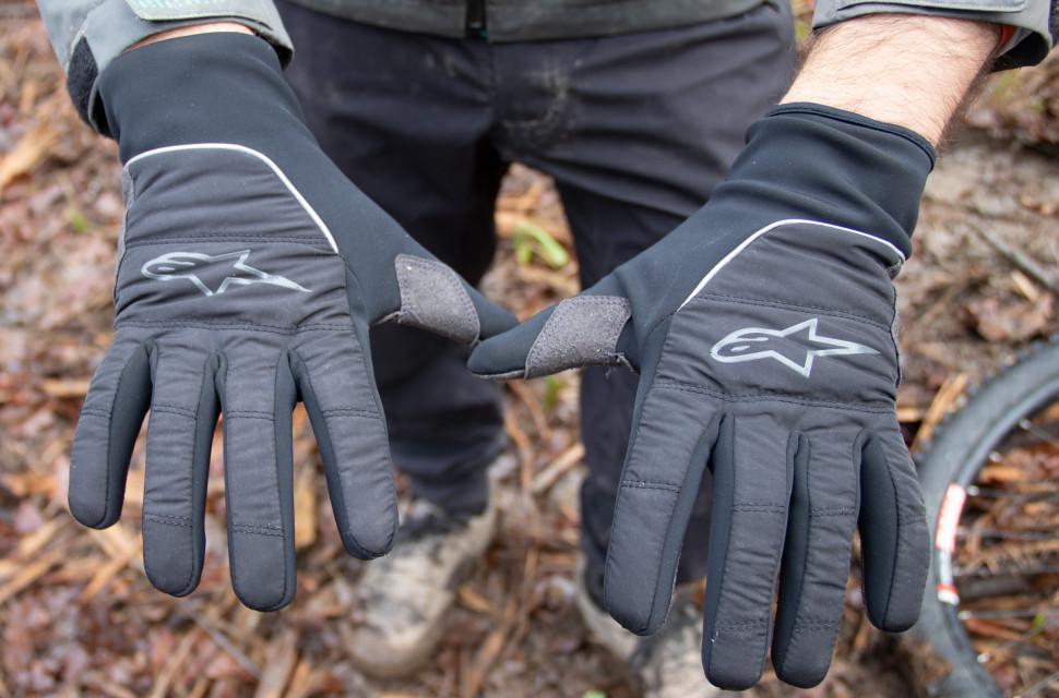 alpinestars-cascade-glove-review-1.jpg