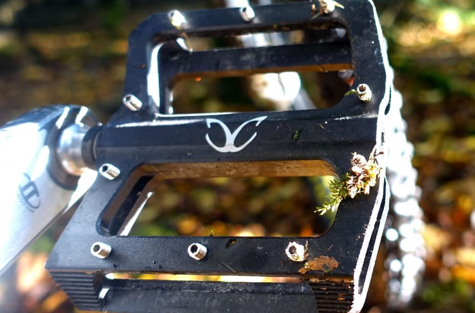 road alloy exotic cc pedals flat massini mat